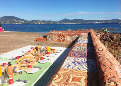 St Tropez yoga retreat picnic